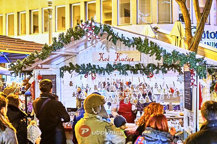Božićni sajam na ulicama u središtu Zagreba