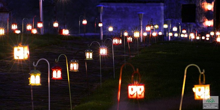Bojani Božić u Bojani - tradicijski Božić na selu s 1000 svijeća; © TZBBZ