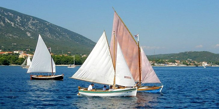Nerezinska regata tradicijskih barki na jedra