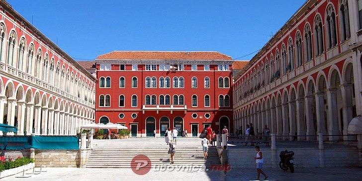 Doček nove godine na Prokurativama u Splitu