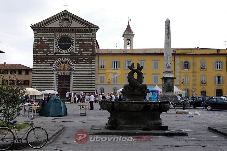 Prato piazza san francesco 3 galerije slika na for Piazza san francesco prato
