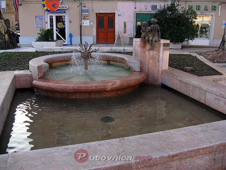 Nostalgični kutak Rijeka-fontana-kawasaki