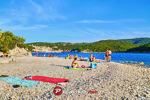 Povlja (Brač): beaches and coves