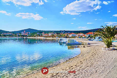 Vinišće: beaches and coves