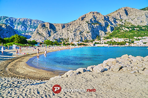 Omiš: beaches and coves