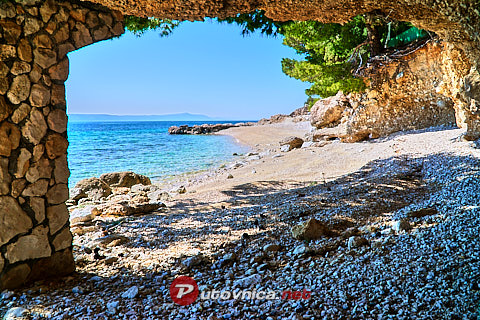 Drvenik (Gradac): beaches and coves