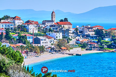 Gradac: beaches and coves