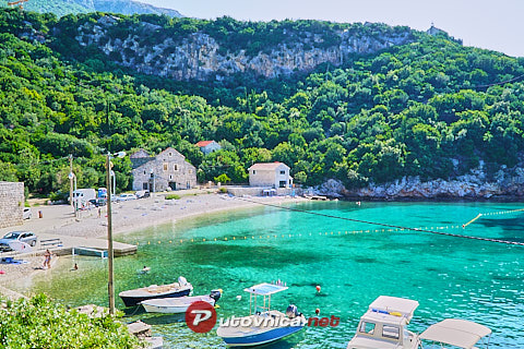Brsečine: beaches and coves