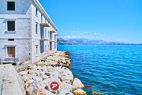 Kaštel Novi: beaches and coves