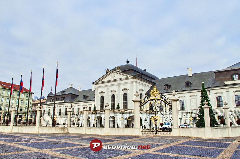 Bratislava grasalkovi eva pala a 102406 slike na for Design hotel 21 bratislava kontakt