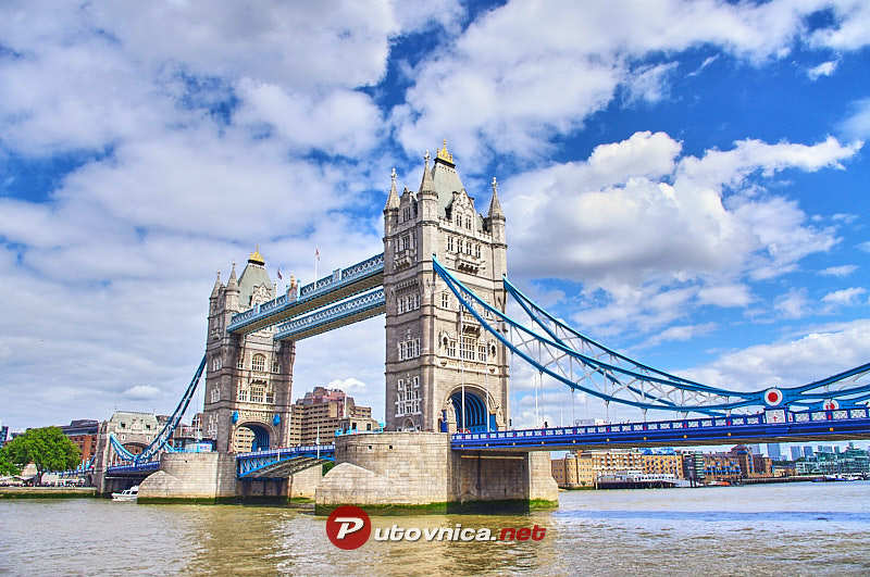 London: Tower Bridge