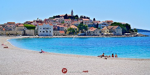 Primošten: beaches and coves