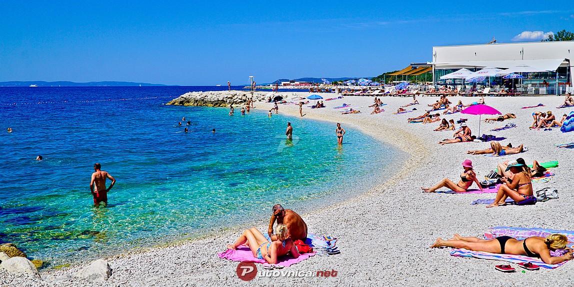 Our lady of lourdes njan 5 beach split beaches at for Splity 3 en 1