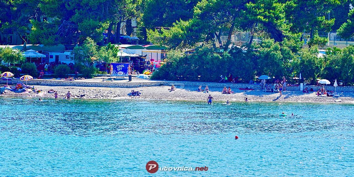 Plaža Vlačica, Supetar (Brač)