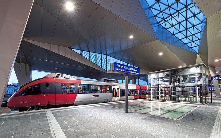 Foto Otvoren Becki Hauptbahnhof Glavni Zeljeznicki Kolodvor Vrijedan Milijardu Eura Plus Na Putovnica Net